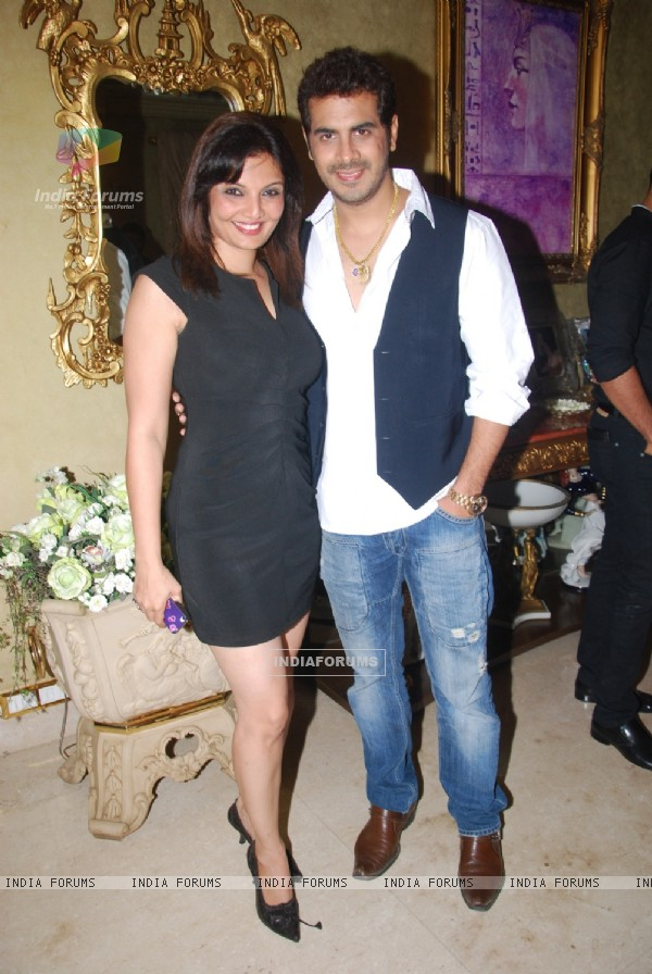 Deepshika with husband Keshav Arora at Mika Singh's Birthday Bash