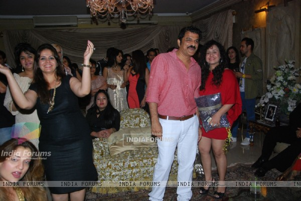 Kiran Bawa at Mika Singh's Birthday Bash