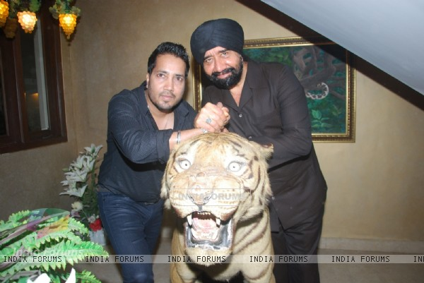 GS Bawa with Mika Singh at Mika Singh's Birthday Bash