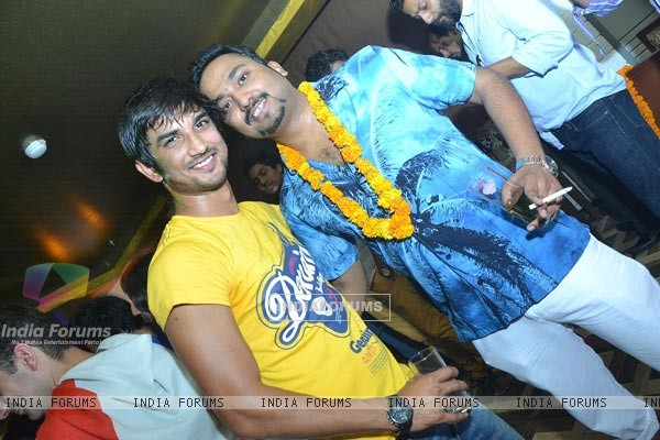 Sushant Singh Rajput At Bhanu Nehra's Birthday Bash
