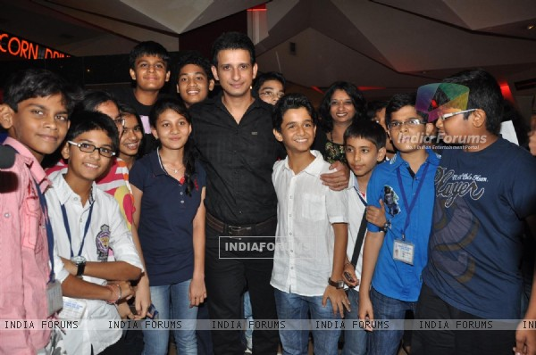 Sharman Joshi and Ritwik Sahore at Film Ferrari Ki Sawaari Kids Special Screening