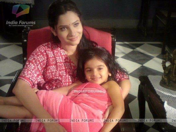Ankita Lokhande With A Child Artist