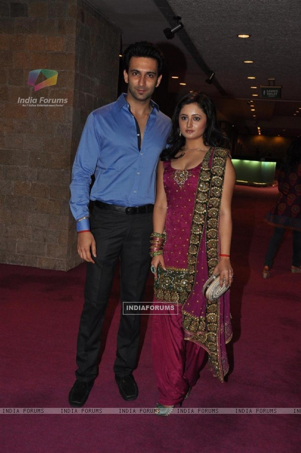 Nandish Sandhu and Rashmi Desai at Sab Ke Anokhe Awards