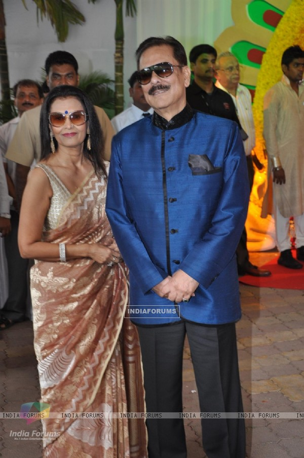 Subroto Roy wife Swapna Roy at Esha Deol and Bharat Takhtani wedding ceremony