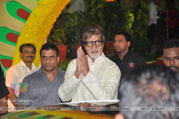Amitabh Bachchan at Esha Deol and Bharat Takhtani wedding ceremony