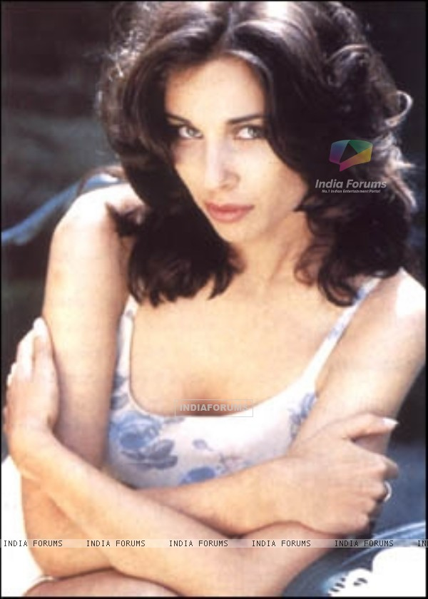 Lisa Ray - Wallpaper Gallery