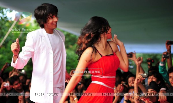 Shantanu and Sneha at Dil, Dosti Dance's Hyderabad concert