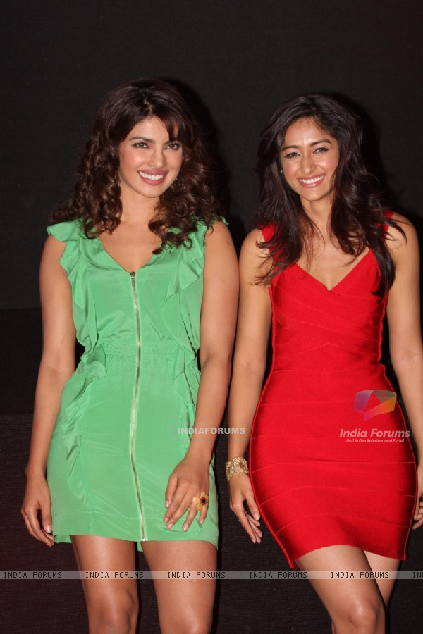 Priyanka Chopra and Ileana D'Cruz at Film Barfi theatrical trailer launch