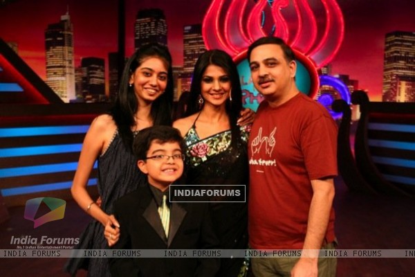 Jennifer Winget on the sets of Laughter ke phatke