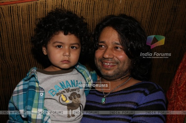 Kailash Kher with son Kabir at his Birthday Party