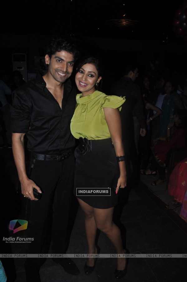 Gurmeet Choudhary with wife Debina Bonnerjee at Punar Vivah 100 Episode celebration