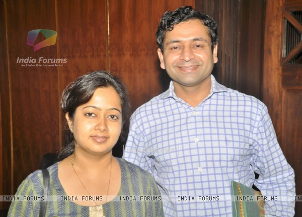 Gitanjali Sinha and Hemendra Aran at Viveck Vaswani's surprise birthday bash