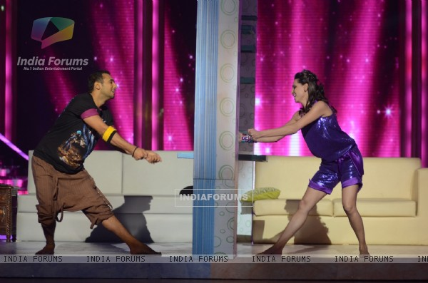 Contestant Shibani Dandekar performing with Puneet on Daaru Desi in Jhalak Dikhhla Jaa. .