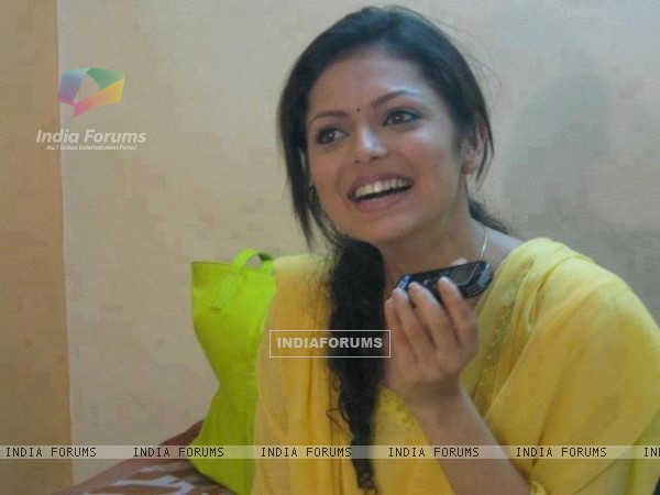 Drashti Dhami From The Set Of Madhubala