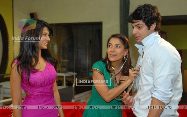Jennifer Winget, Karan Wahi and Koel Purie