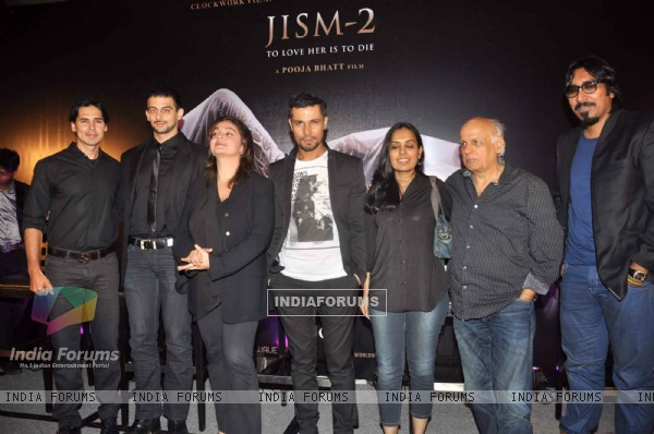 Director-actress Pooja Bhatt, Producer-director Mahesh Bhatt, Composer Arko Pravo Mukherjee with Bollywood actors Arunoday Singh, Randeep Hooda and Dino Morea at Jism 2 Press Conference, Grand Hyatt Mumbai India. .