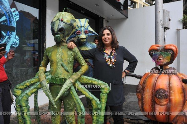Farah Khan & Chitrangda Singh promote 'Joker' with Aliens