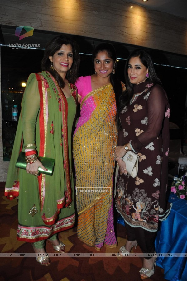 Bina Aziz, Radhika, Lucky Morani at Anup Jalota Birthday Party in Sun Villa Warli