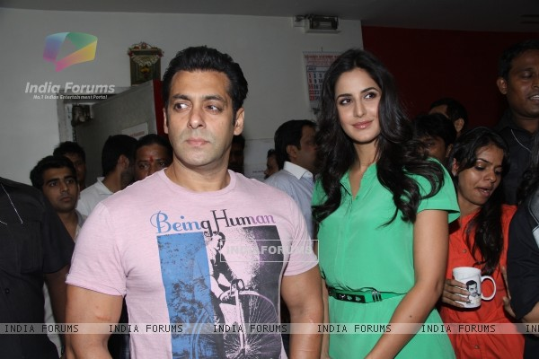 Salman Khan and Katrina Kaif on the sets of DID L'il Masters to promote film Ek Tha Tiger