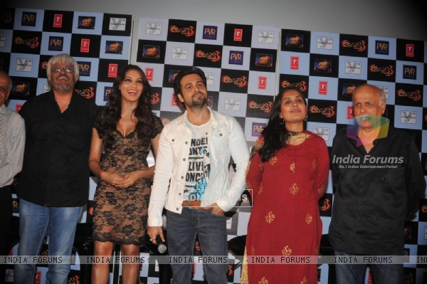 Vikram Bhatt, Bipasha Basu, Emraan Hashmi, Mahesh Bhatt at First trailer launch of 'Raaz 3'