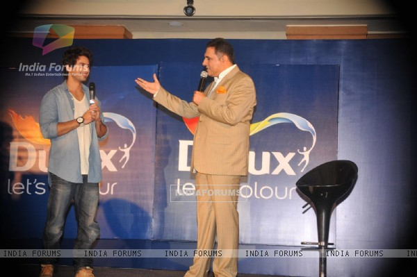Shahid and Boman Irani at Dulux let's colour event