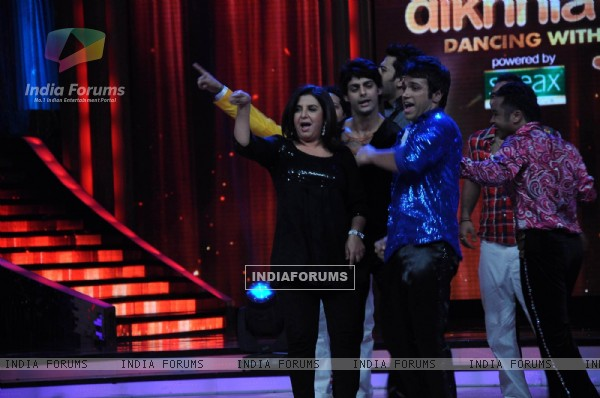 Farah Khan, Karan Wahi on the sets of Jhalak Dikhhla Jaa at Filmistan Goregaon