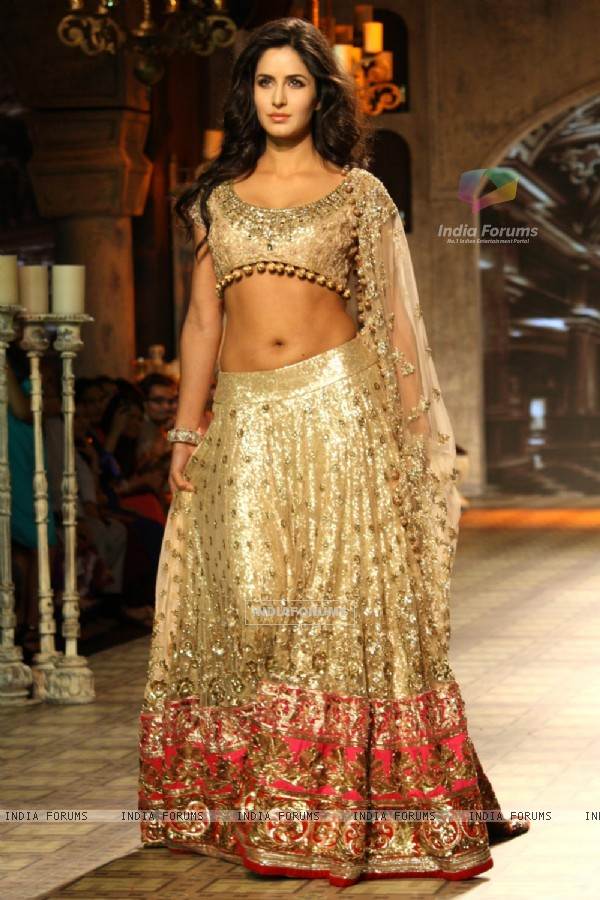 Katrina Kaif walk the ramp for designer Manish Malhotra show at the Delhi Couture Week 2012