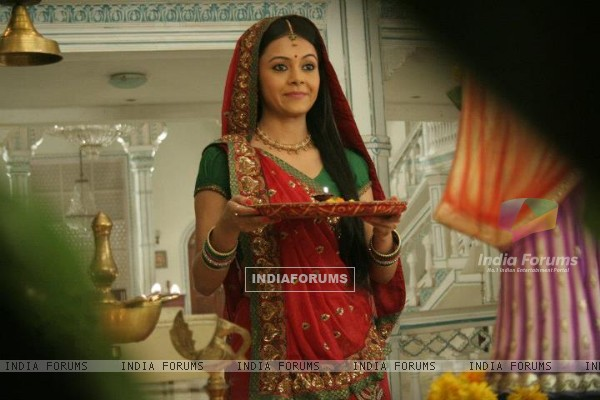 Devoleena Bhatacharjee as Gopi Saath Nibhana Saathiya