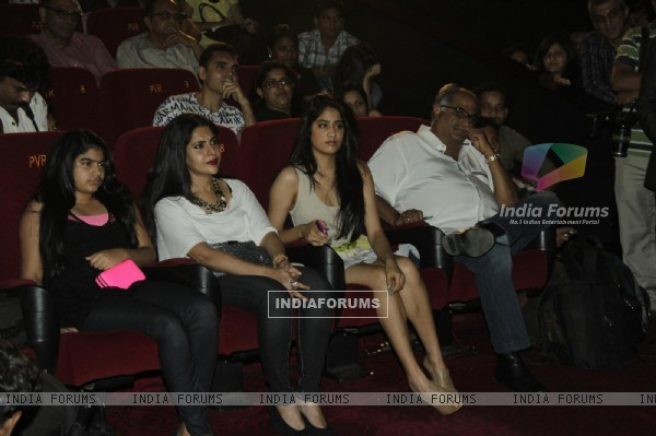 Boney Kapoor with daughters Jhanvi and Khushi at First Look Film English Vinghlish