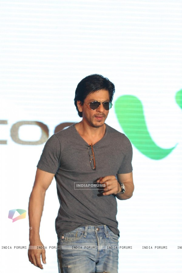 Shahrukh Khan poses during the launch of DDB & Videocon its new Age Led's