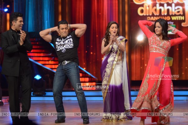 Salman Khan, Madhuri Dixit, Katrina Kaif and Karan Johar on the sets of Jhalak Dikhhla Jaa