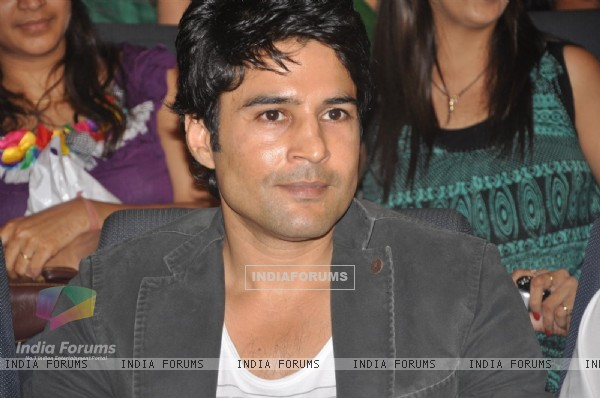 Rajeev Khandelwal at Bharat and Dorris fashion show