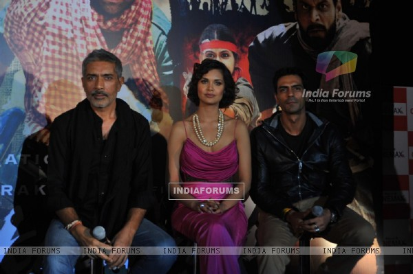 Prakash Jha, Esha Gupta and Arjun Rampal at Unveiling of forthcoming film Chakravyuh