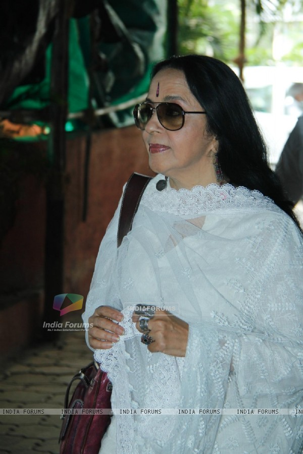 Ila Arun at Condolence Meeting of cinematographer Ashok Mehta