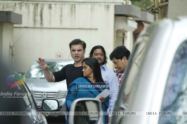 Sohail Khan with sister Arpita Khan With Family On Eid