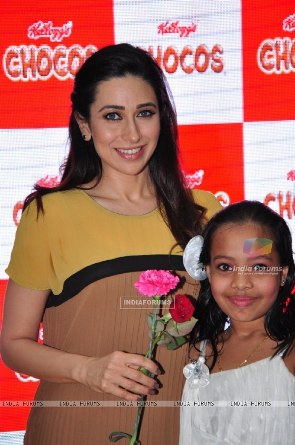 Brand ambassador of Kellogg's Chocos, Karisma Kapoor at the launch of 'Augmented Reality Game' in Oberoi Mall, Mumbai