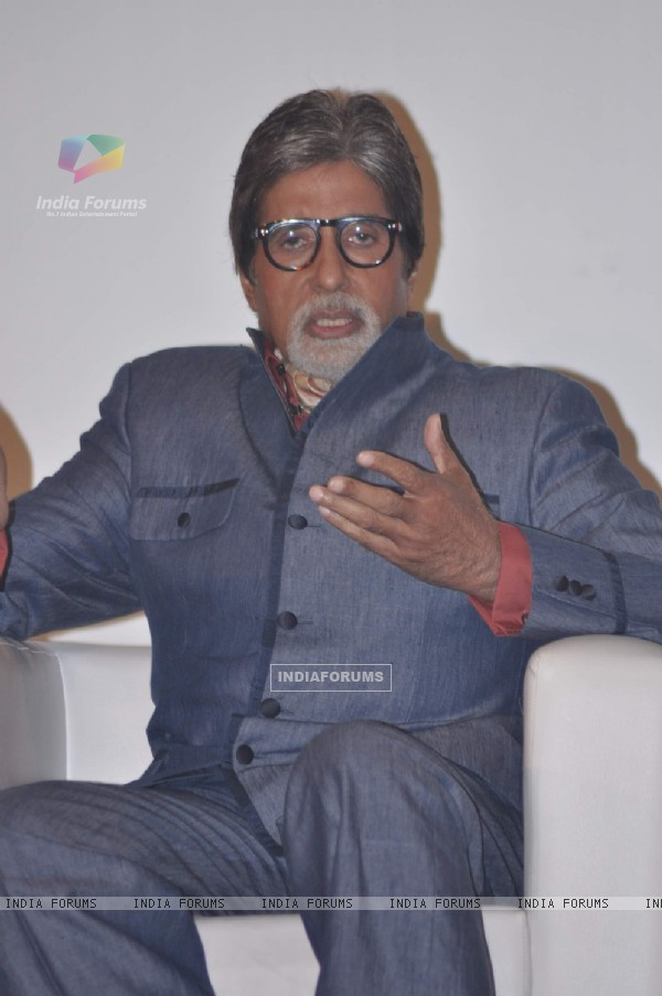 Megastar Amitabh Bachchan at KBC Panch Koti Gyaan Kumbh Press Meet at JW Mariott. .