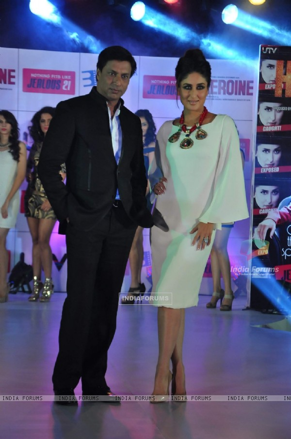 Kareena Kapoor and Madhur Bhandarkar at Jealous 21 fashion show in Hyatt Regency