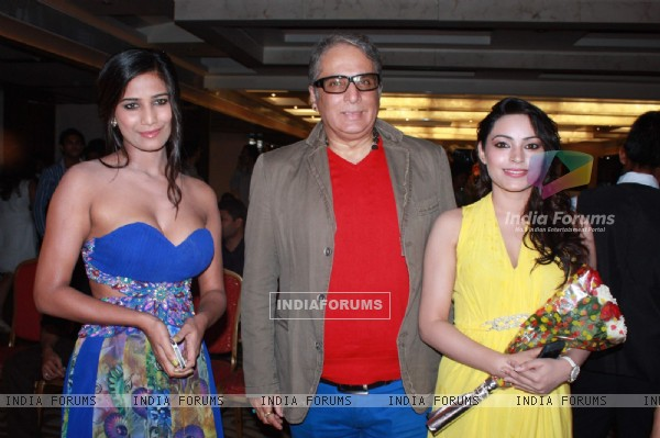 Poonam Pandey, Aditya Raj Kapoor with Devshi Khanduri at music launch of The Strugglers