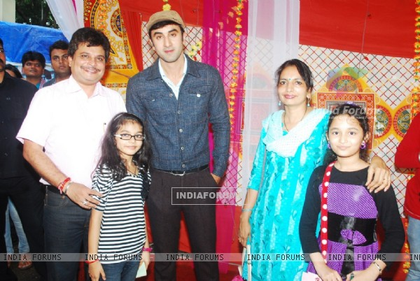 Asit Modi and family with Ranbir Kapoor on location of Taarak Mehta Ka Ooltah Chashmah