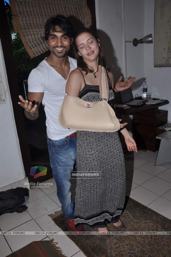 Jhalak Dikhla Jaa participants Isha Sharvani and Salman Yusuff Khan at press meet in Linking Road, Mumbai. .