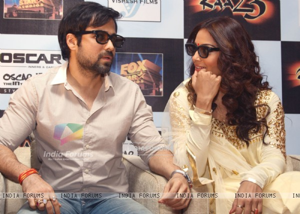Bollywood actors Emraan Hashmi and Bipasha Basu at a press meet for the film Raaz-3 in New Delhi . (223974)