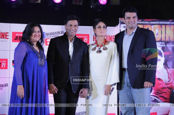 Kareena Kapoor at the unveiling of Jealous 21-Heroine Inspired Collection