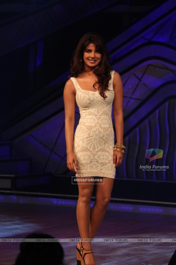 Priyanka Chopra on the sets of Dance India Dance