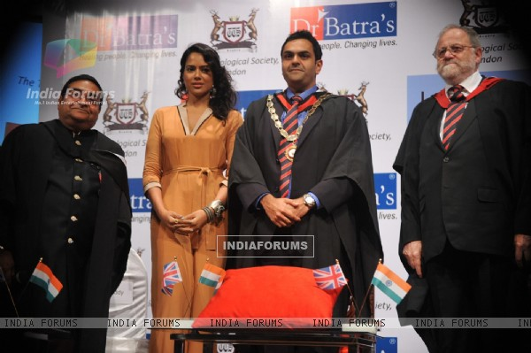 Sameera Reddy at Dr Batra's book launch
