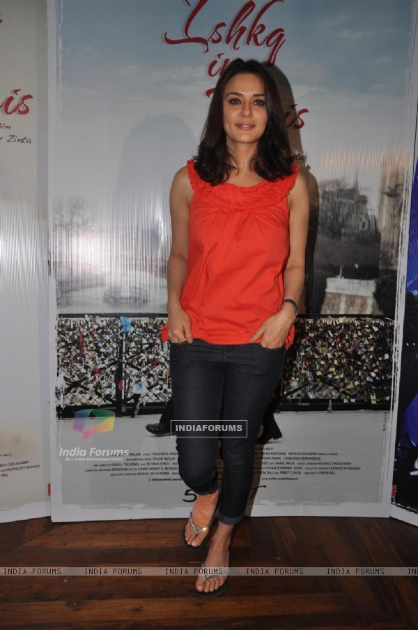 Preity Zinta Launches Songs of her Film Ishq in Paris (224618)