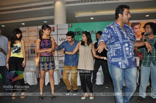 Ileana D'Cruz, Ranbir Kapoor, Priyanka Chopra, Anurag Basu at Film Barfi Promotion With R City Mall