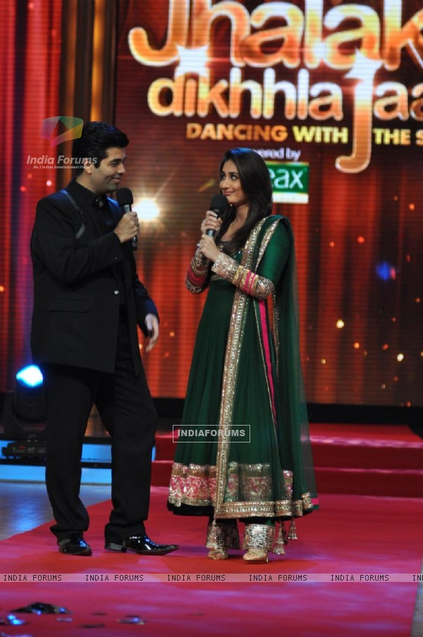 Karan Johar and Kareena Kapoor at Film Promotion Heroine on Set Jhalak Dikhhala Jaa