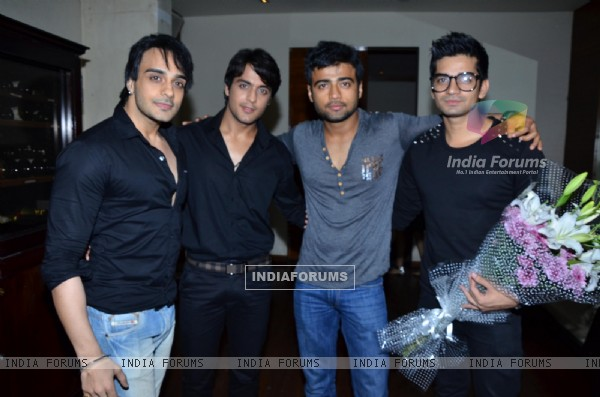Angad Hasija, Gaurav S.Bajaj, Manish Naggdev and Vishal Singh at Munisha Khatwani Birthday Bash