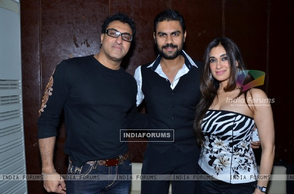 Mohammed Morani, Gaurav Chopra and Lucky Morani at Munisha Khatwani Birthday Bash